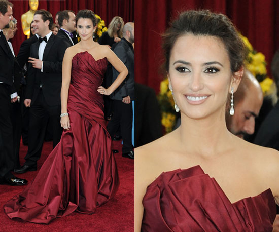 Penelope-Cruz The Best Supporting Actress nom arrives at the 2010 Oscars in